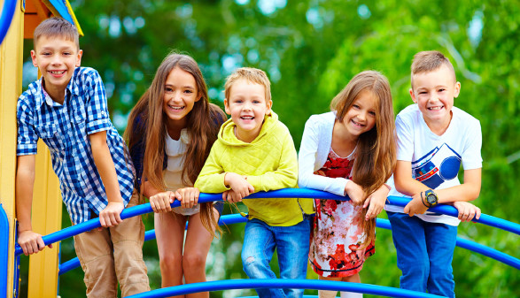 Kinder am Spielplatz © Olesia Bilkei, stock.adobe.com