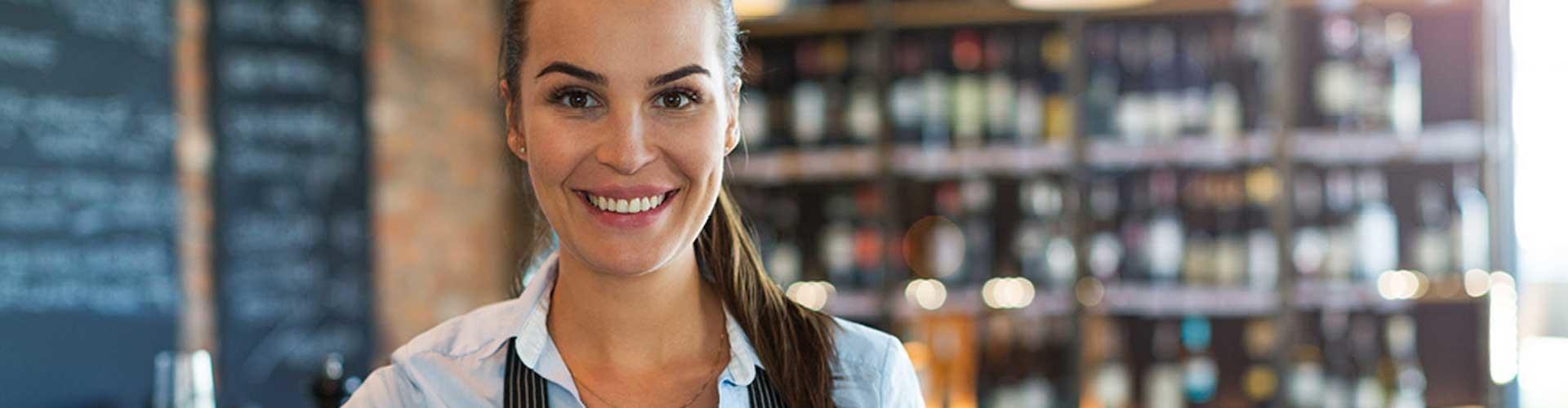 Frau lächelt © Adobe Stock, Adobe Stock
