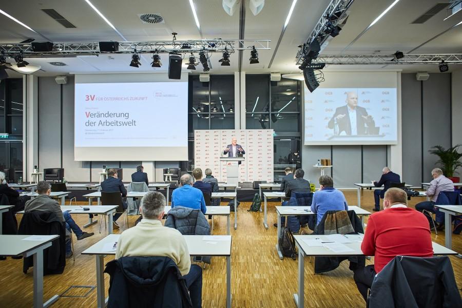 """Das Dialog Forum """"Veränderung der Arbeitswelt"""" von AK Niederösterreich und ÖGB NÖ im ArbeitnehmerInnenzentrum St. Pölten fand unter strengen COVID-Auflagen statt. © Franz Gleiß, AK Niederösterreich"""