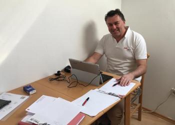 PRO-GE-Amstetten Sekretär Christian Pichler kümmert sich während der Coronakrise vom Home Office aus um seine Gewerkschaftsmitglieder. ©  , AK Niederösterreich, zVg