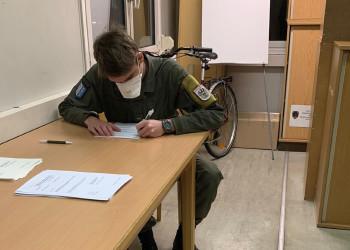 Ein Gesundheitscheck vor der Rückkehr aus Auslandseinsätzen ist bei der Kaserne Götzendorf Teil des Standardprozedere, jetzt wird vermehrt auf COVID-19 Symptome geachtet. ©  , AK Niederösterreich, zVg