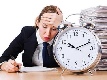 Überstunden müssen entlohnt werden! © Fotolia.com, Elnur
