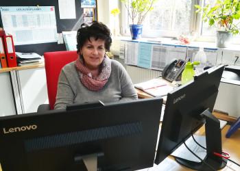 Die MitarbeiterInnen von Cornelia Herbst, Abteilungsleiterin der Servicezone des AMS Neunkirchen, leisten zurzeit Großartiges beim Einholen notwendiger Angaben zur Antragstellung. ©  , AK Niederösterreich, zVg