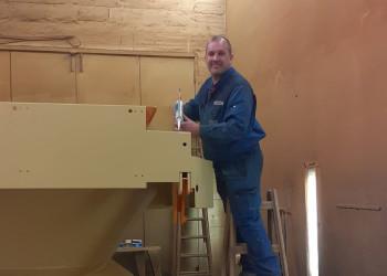 Jürgen Lubich ist Vorsitzender des Arbeiterbetriebsrates bei der Firma M-U-T Maschinen-Umwelttechnik-Transportanlagen GmbH in Stockerau und konnte im Betrieb Corona-Kurzarbeit für seine KollegInnen durchsetzen. ©  , AK Niederösterreich, zVg