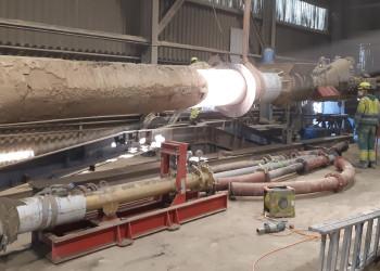 Damit die Baustellen weiterhin versorgt sind arbeiten die MitarbeiterInnen der Lafarge Zementwerke derzeit auf Hochtouren. ©  , AK Niederösterreich, zVg