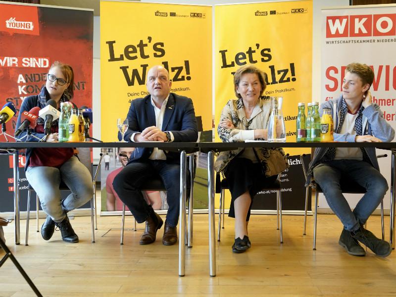 Am Podium Let's Walz TeilnehmerInnen mit Marcus Wieser und Sonja Zwazl © Josef Bollwein, .