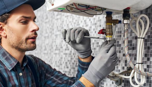 Installateur bei der Arbeit © dima_sidelnikov, stock.adobe.com