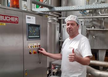 Mario Steineder setzt sich als Betriebsratsvorsitzender der AUSTRIA JUICE GmbH für Coronamaßnahmen wie zeitversetzte Schichtübergaben ein. ©  , AK Niederösterreich, zVg