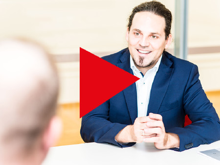 Screenshot von Interview mit Arbeitspsychologen Jürgen Fritsche © Scheichel, AK Niederösterreich