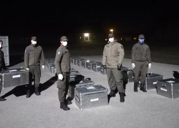 Die Kaserne Götzendorf achtet besonders jetzt auf Sicherheitsabstände zwischen den SoldatInnen bei der Gepäckausgabe. ©  , AK Niederösterreich, zVg