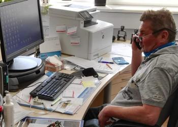 Betriebsratsvorsitzender Gerald Friedmann sorgt in Sachen Sicherheit und Kurzarbeit für den nötigen Rückhalt für die ArbeitnehmerInnen der Firma Frauenthal Service. ©   , AK Niederösterreich, zVg