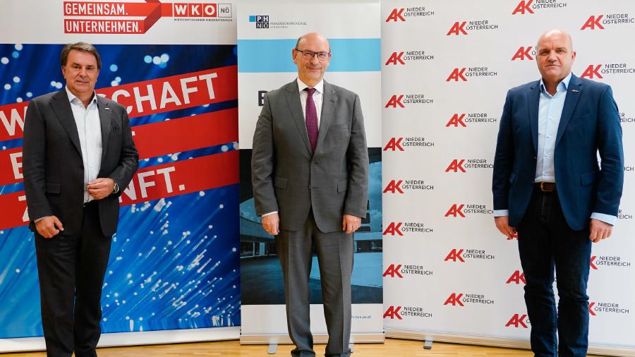 WK NÖ-Präsident Wolfgang Ecker, Vizerektor der PH NÖ, Prof. Dr. Norbert Kraker, AK NÖ-Präsident Markus Wieser © Gregorich,