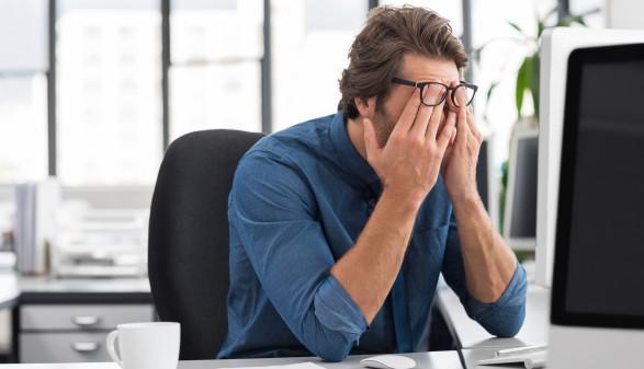 gestresster Arbeiter © Rido, stock.adobe.com