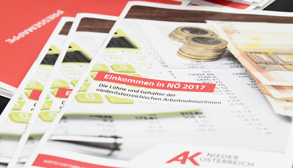Bild der Broschüre für die Einkommensanalyse 2017 © Kromus, AK Niederösterreich