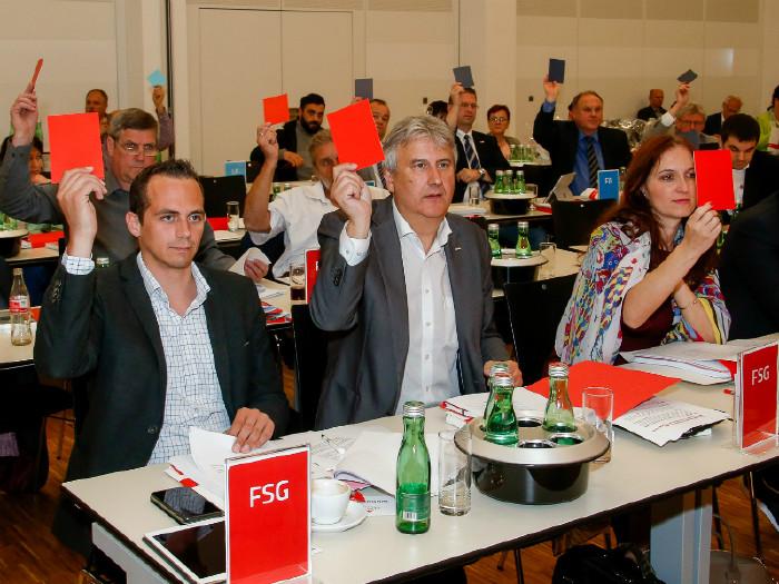 Kammerraete und Kammerraetinnen bei der Vollversammlung © Mannsberger, AK Niederösterreich