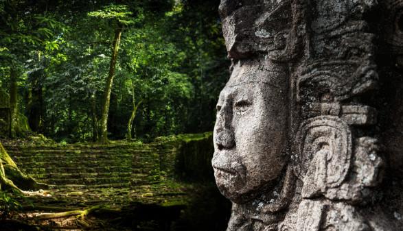 Sujet Sonderausstellung © Alpkhan Photography/Shutterstock.com, THPStock/Shutterstock.com,