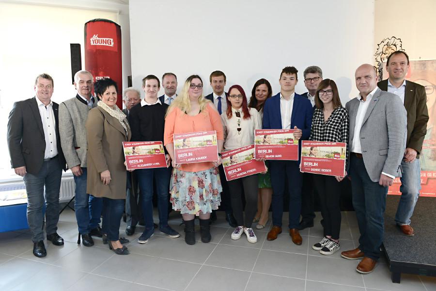 AK Niederösterreich ehrt engagierte Jugendliche in Überbetrieblicher Lehrausbildung mit dem Josef-Staudinger-Preis 2019. © Kromus, AK Niederösterreich
