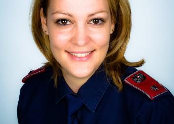 Inspektorin Bernadette Neumeyr von der Landespolizeidirektion Niederösterreich sieht es als moralische Verpflichtung, jetzt für die Bevölkerung Niederösterreichs da zu sein und sie zu unterstützen. ©  , AK Niederösterreich, zVg