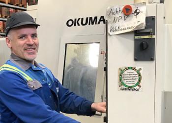 Thomas Haubner und seine KollegInnen vom Metallverarbeitungsunternehmen voestalpine in Krems an der Donau halten auch während der Coronapandemie die Stellung. ©  , AK Niederösterreich, zVg