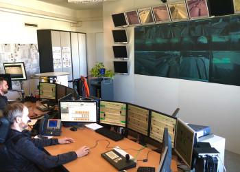 Auch während der Coronakrise muss der Verkehr auf A5, S1 Ost und West überwacht werden, weshalb Bonaventura Services-Operatoren Philip Bohner und Gerald Franner gerade wahre Leistungsträger sind. ©  , AK Niederösterreich, zVg