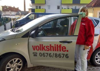 Gut gelaunt kümmern sich die MitarbeiterInnen der Volkshilfe Wiener Neustadt weiterhin um Ihre KundInnen und stellen deren Grundversorgung sowie fachspezifische Betreuung sicher. ©  , AK Niederösterreich, zVg