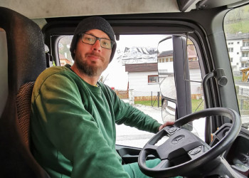Mit vollem Einsatz gehen die MitarbeiterInnen des Kremser Entsorgers Brantner an die Arbeit. ©  , AK Niederösterreich, zVg