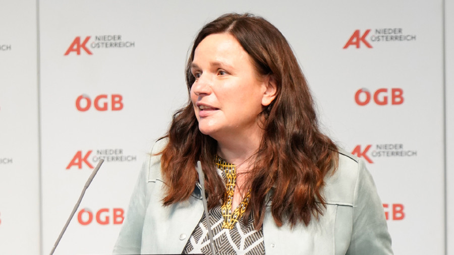 AK Niederösterreich-Direktorin Mag. Bettina Heise schließt die Veranstaltungsreihe mit dem zukünftigen Schwerpunkt des Projektfonds 4.0: Projekte zur Digitalisierung in den Kommunen. © Wolfgang Prinz, AK Niederösterreich